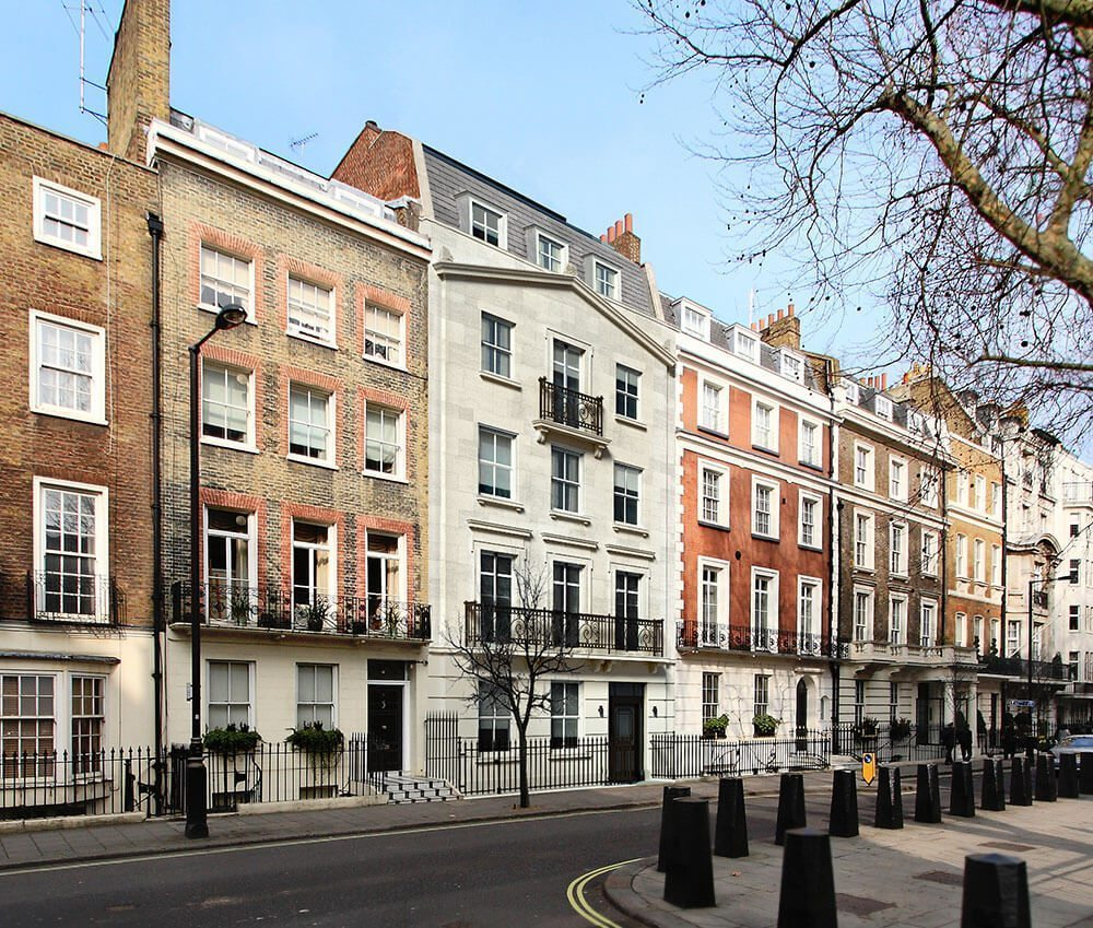01-Apartment-building-in-Mayfair